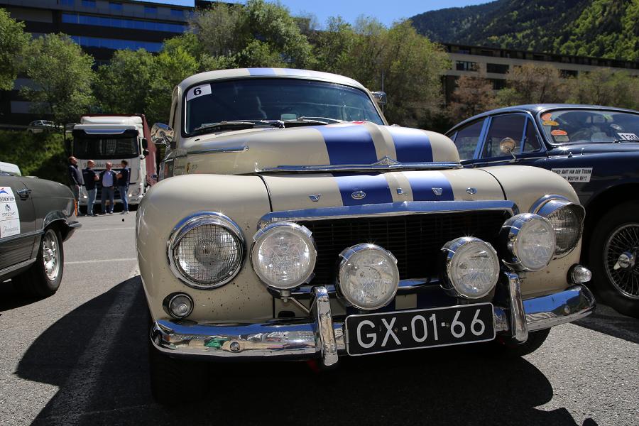 Volvo 544: белое купе