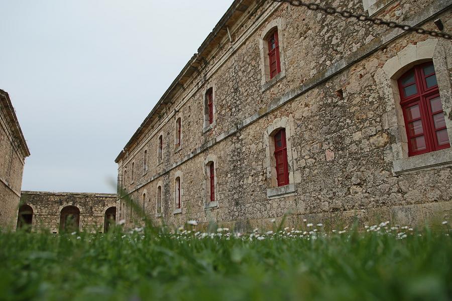 Замок Сан-Ферран_ достопримечательности Каталонии