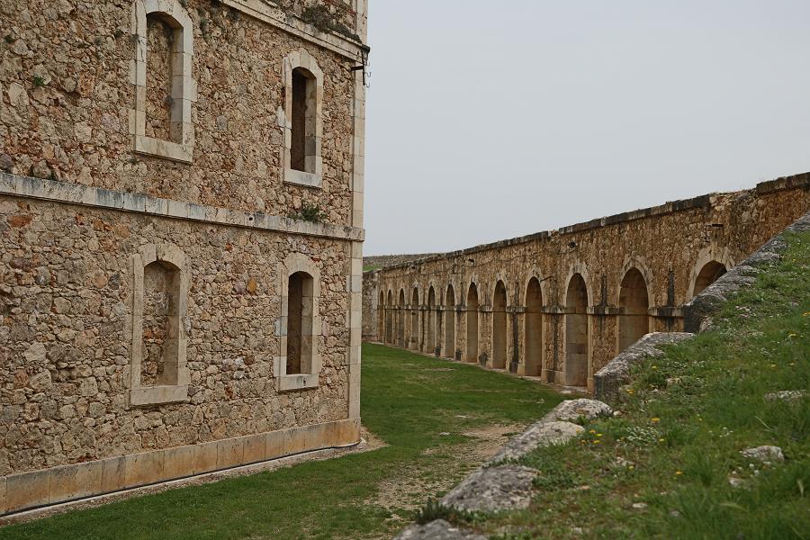 Замок Сан-Ферран_чем заняться