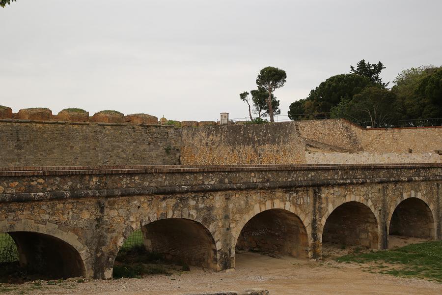 Замок Сан-Ферран_Каталония