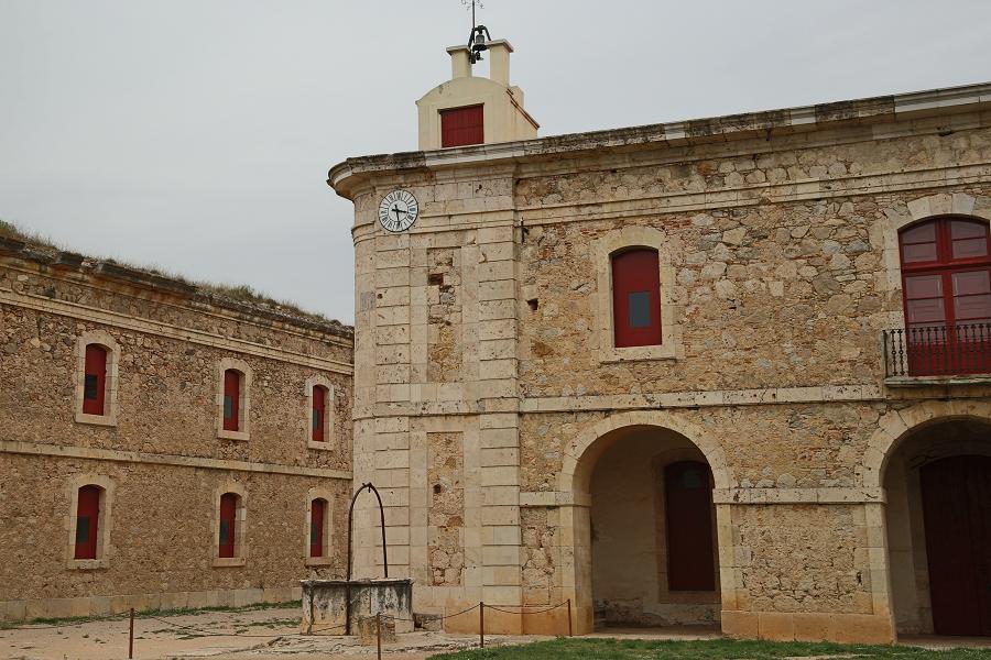 Замок Сан-Ферран_туризм