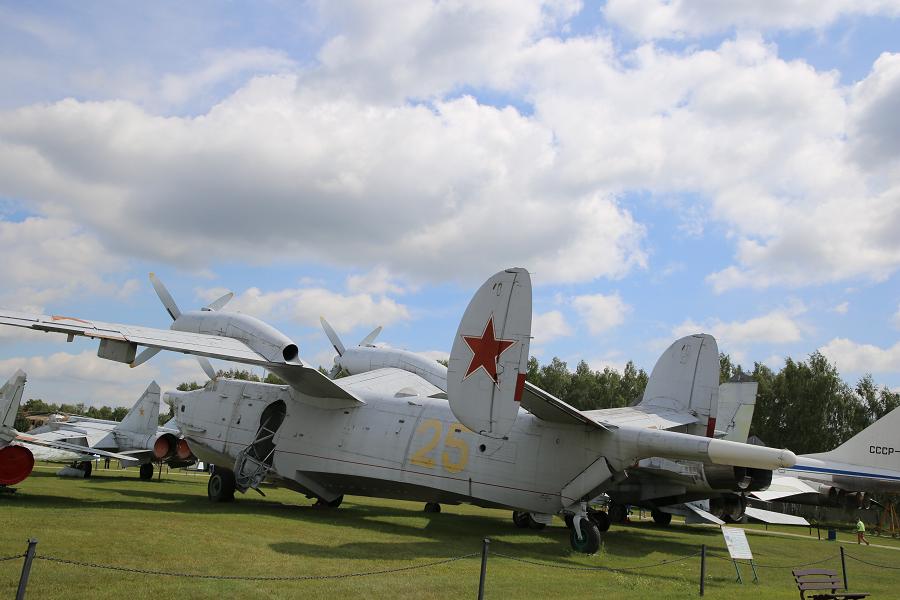 Бе-12. Советский противолодочный самолет-амфибия образца 1960 года
