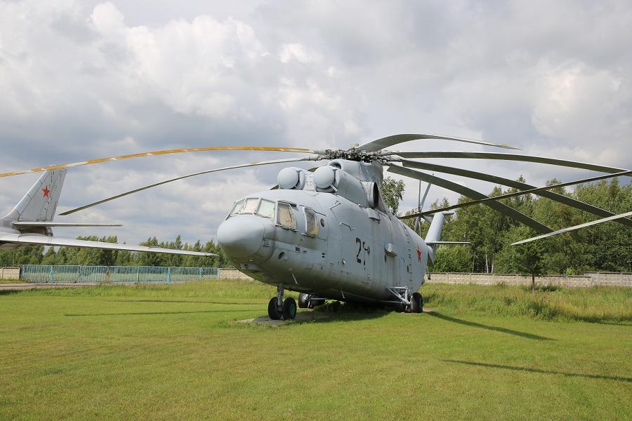 Ми-26. Советский тяжелый транспортный вертолет образца 1977 года