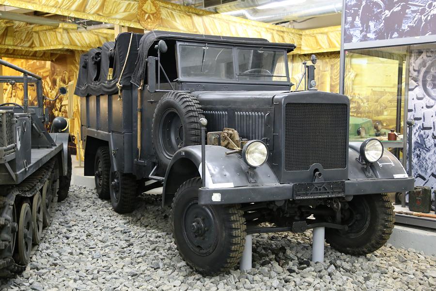 le. gl. Einheits – LKW – Diesel : camion de l'armée allemande