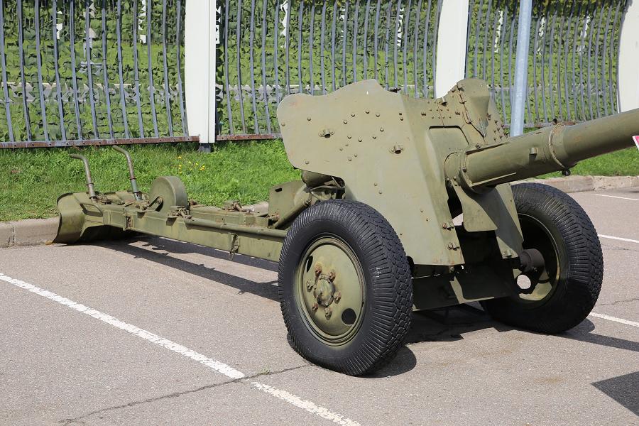 Советская 85-мм противотанковая пушка Д-48 Н времен Великой Отечественной войны