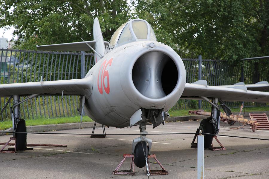 MiG-15 UTI : avion d'entraînement. Le premier cosmonaute d'URSS_Soviétique Youri Gagarine est mort dans l'écrasement de cet avion en 1968