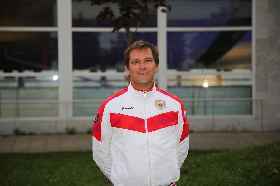 Rússia va guanyar la medalla olímpica en l'últim campionat mundial de ràfting, però a Rússia no hi ha espai per entrenar, lamenta Jean-Yves Sheutin, l'entrenador francès de l'equip de ràfting rus