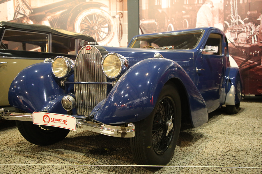 Bugatti Type 57. Синяя версия