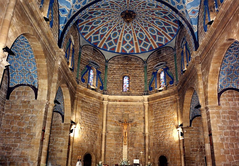 Национальный праздник Андорры - день Богоматери Меричельской, покровительницы Андорры, отмечается 8 сентября