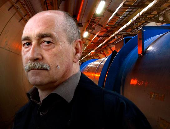 El professor Maxim Khlopov parla sobre física de cosmopartícules, la ciència de la relació fonamental entre la teoria de l'Univers i la física del micromón