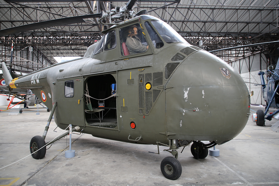Sikorsky H-19 Chickasaw : hélicoptère Américain