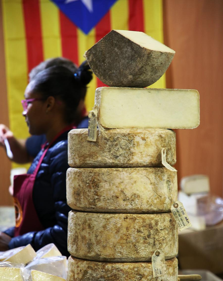 La foire de Sant Ermengol, Catalogne: les fromagers sont pour la liberté