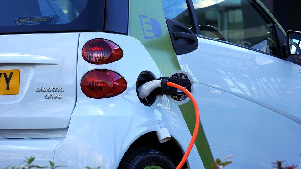 Французский город Фуа - лидер по количеству электрических заправок для электромобилей