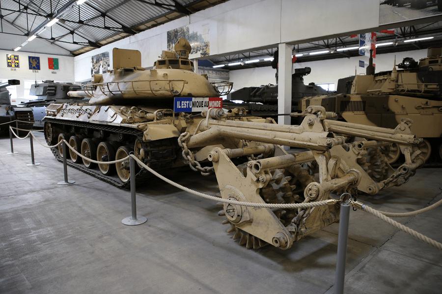 Французский AMX 30 B2 DT танк для разминирования
