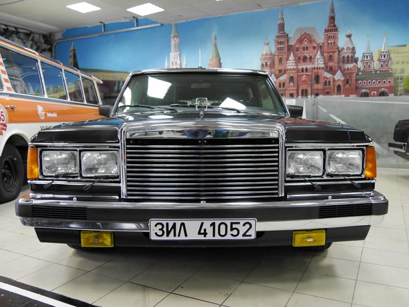 """ZiL 41052 """"Bronekapsula"""" : meilleure voiture blindée du monde_images_photos_caracteristiques_luxe_vehicules_automobiles_voitures_Moscou"""
