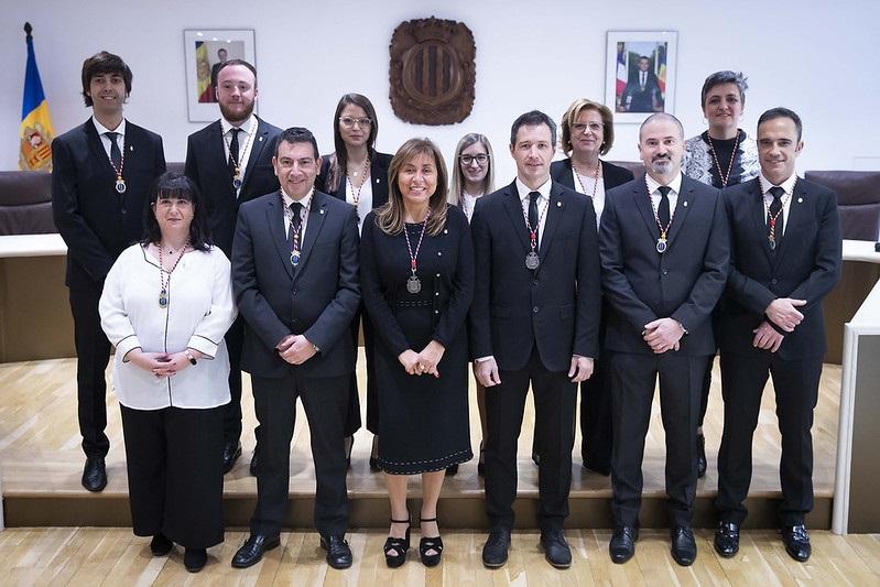Консулы Андорры, избранные на последних муниципальных выборах 15 декабря, вступают в должность - только двоим удалось сохранить свои кресла: Кончите Марсоль (Андорра-ла-Велья) и Жозепу Мортесу (Ордино)