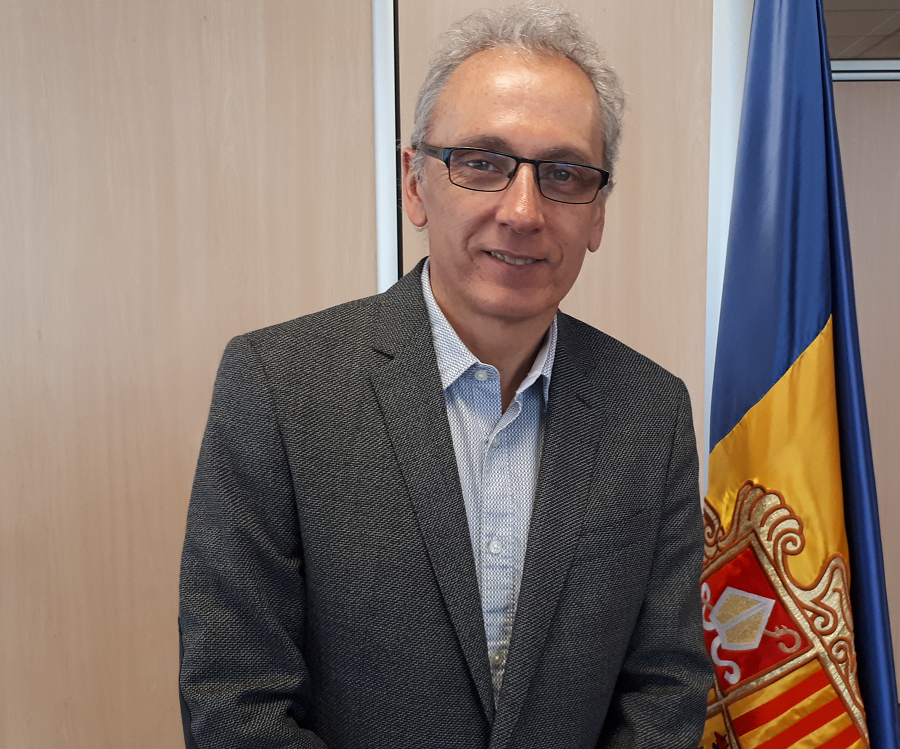 I don't think that a big international airport is what our country currently needs, says the ex-minister of tourism of Andorra, Consul of Canillo, Francesc Camp
