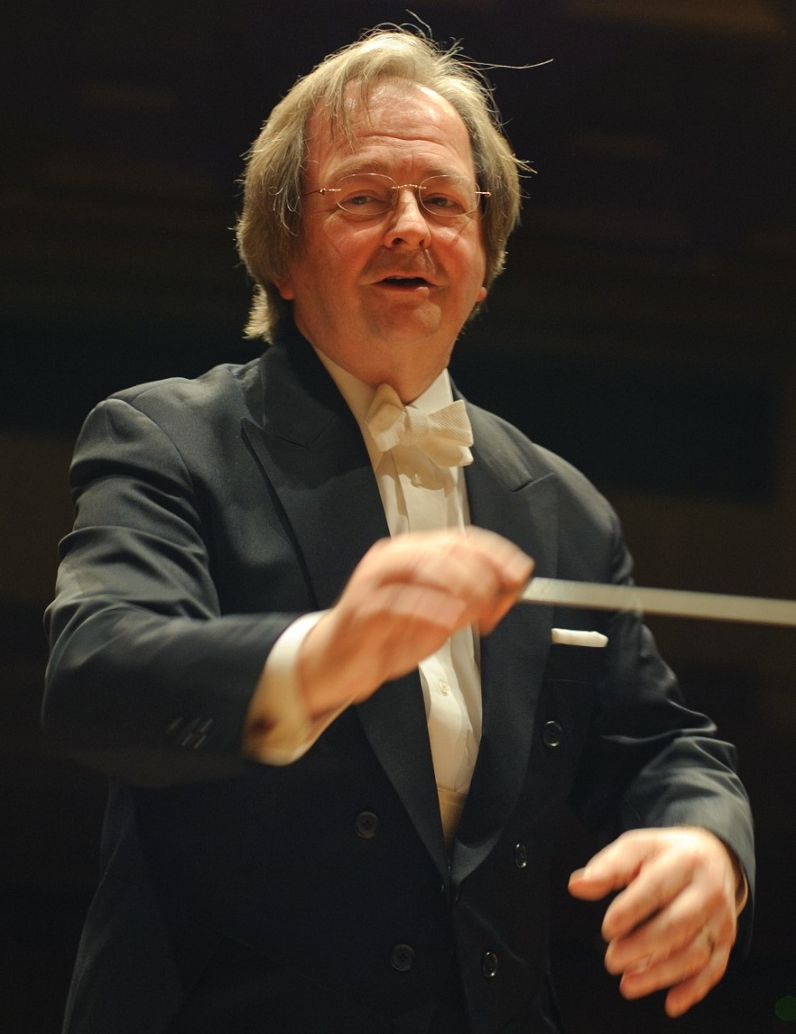 « Le coronavirus ne nous fera pas taire », a déclaré Robert Rÿker, directeur musical de Tokyo Sinfonia
