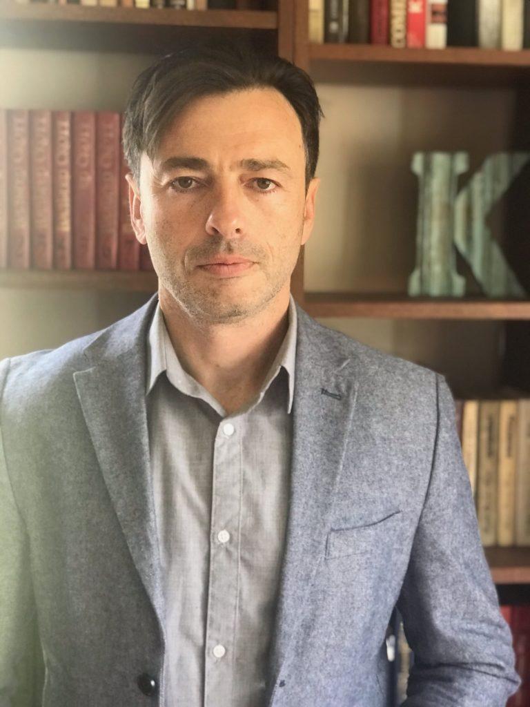 Propietats biosimilars de biquaternió amb zero divisors per Sergey Kotkovsky