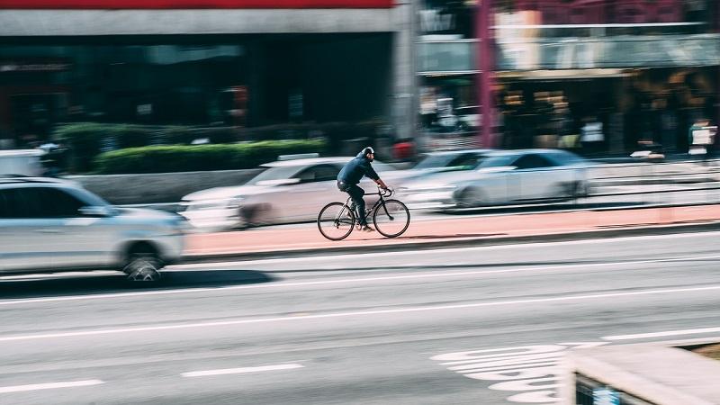 Дорожный кодекс Андорры обновляет правила для водителей, велосипедистов и пешеходов