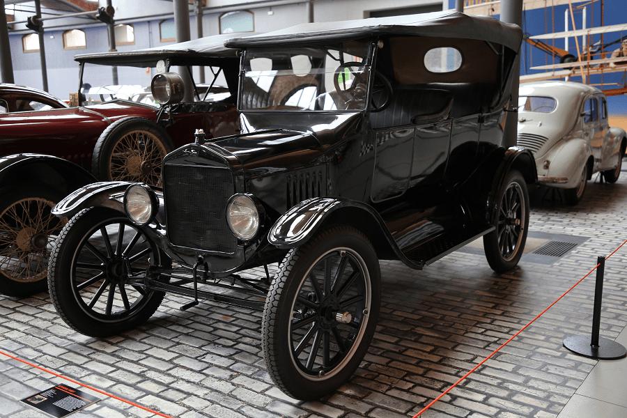 Ford T. Черная версия_черный кабриолет_седан