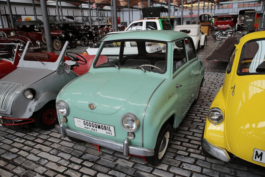 Модель 1964 года Сделано в Испании (Бильбао) Мотор: 293 куб. см. Мощность: 250-400 л.с. Макс. скорость: 90 км/ч Расход топлива: 4,4 л/100 км