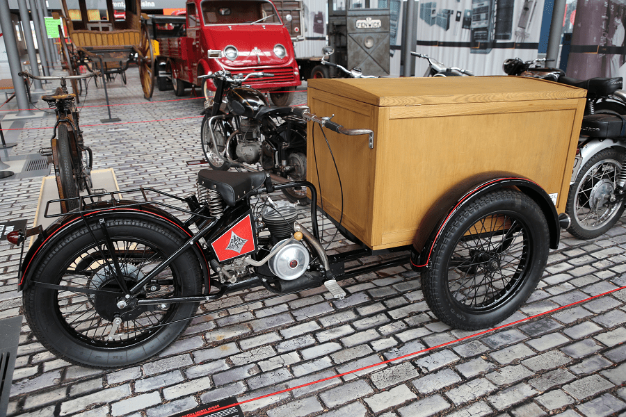 Tricycle Patria Minor Commercial : moto espagnole
