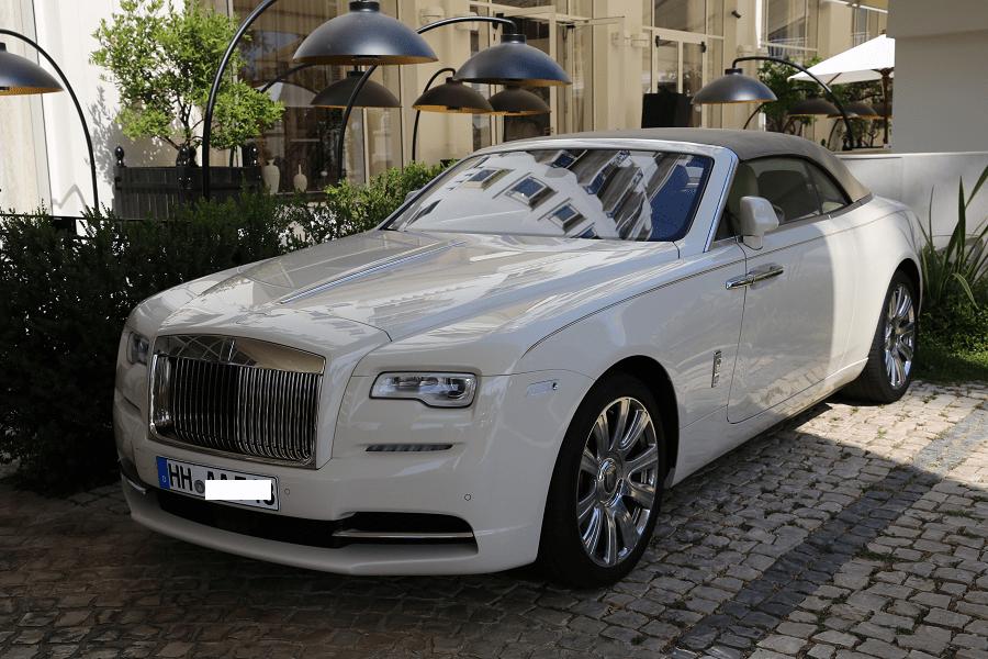 Rolls-Royce Dawn convertible 2018 года. Белая версия