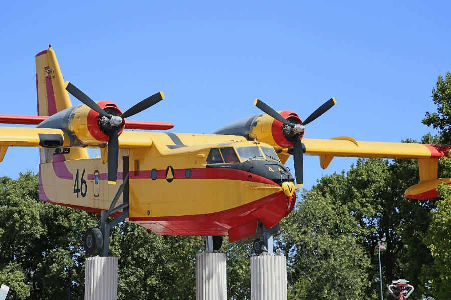 Canadair CL-215 : hydravion des pompiers