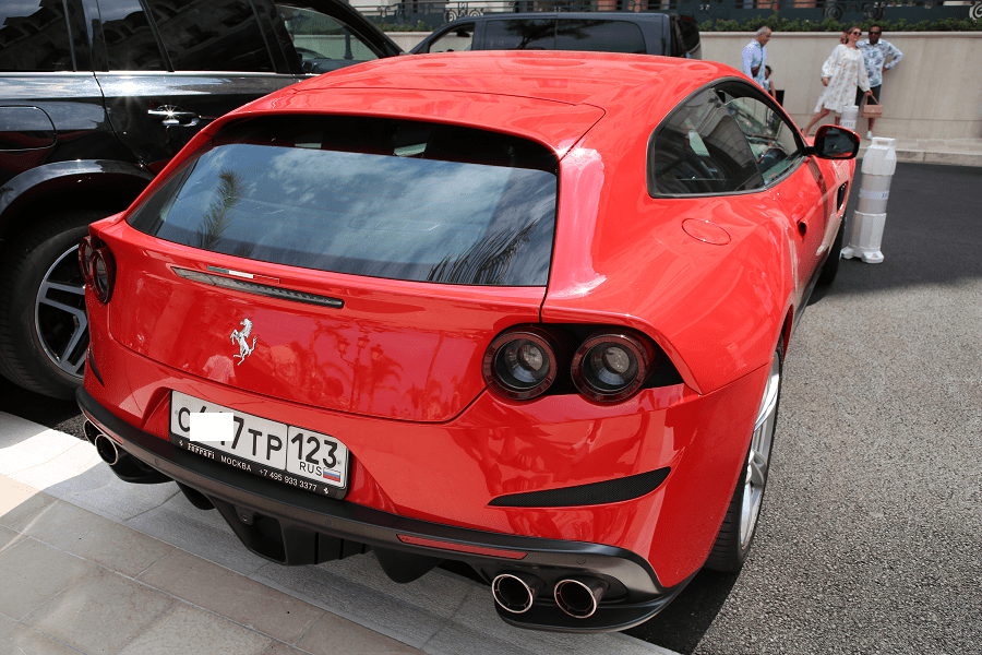 Ferrari GTC4 Lusso monaco