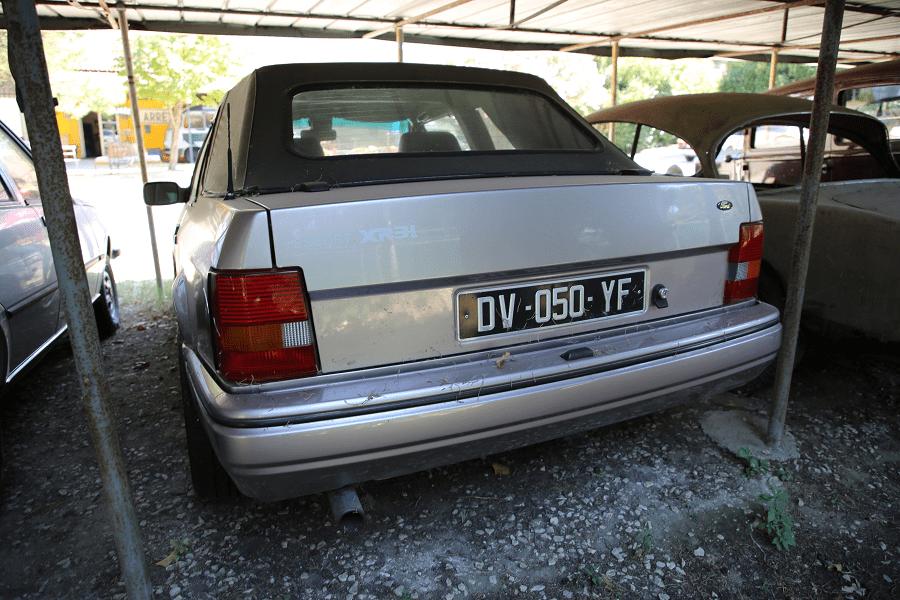 Автомобиль Ford Escort XR 3i_зад