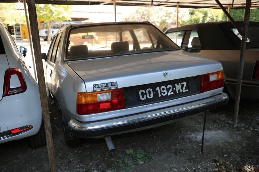 Renault 18 GTS. Серая версия_вид сзади