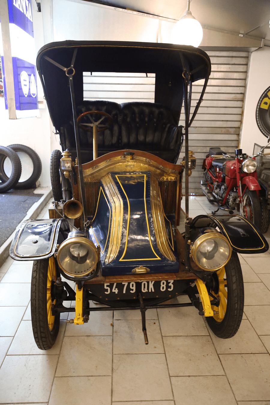 Renault Type AX. Синяя версия с двумя цилиндрами