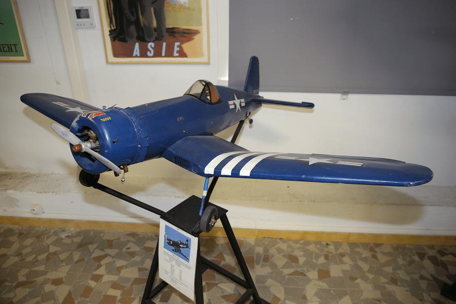 Vought F 4U Corsair : avion modèle réduit