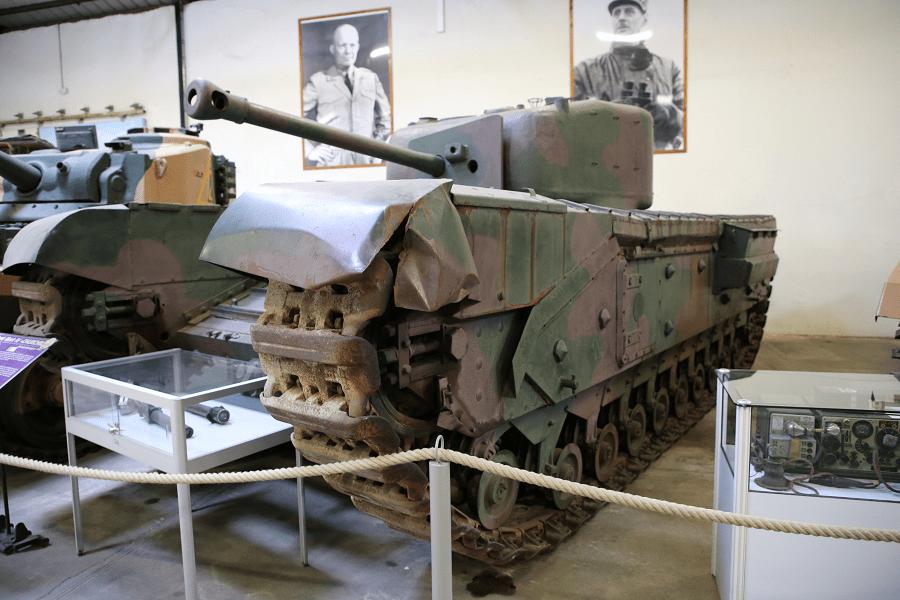 Mk IV (A22) Черчилль был британским тяжелым пехотным танком, использовавшимся во время Второй мировой войны (1941)