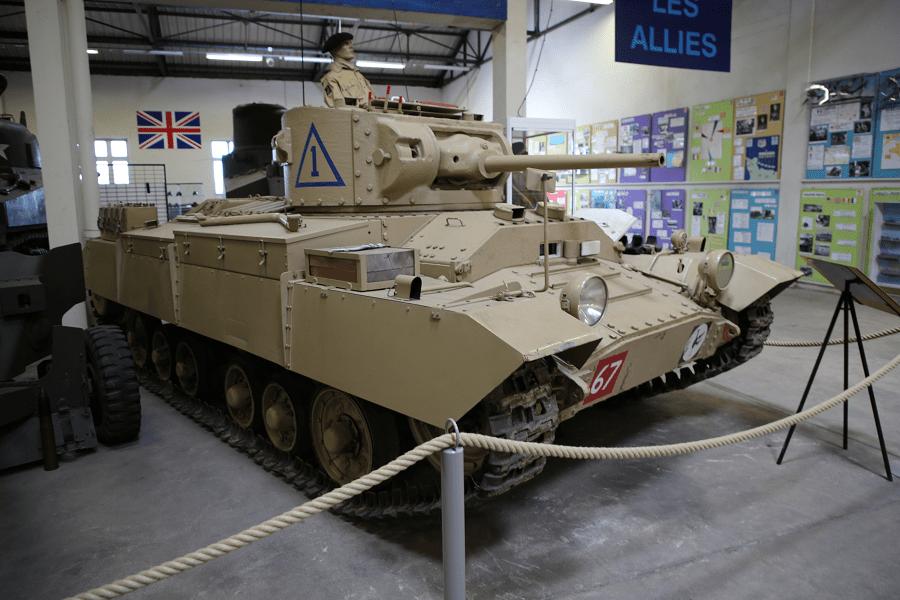 Mk III Valentine - пехотный танк, производимый в Великобритании во время Второй мировой войны (1940)