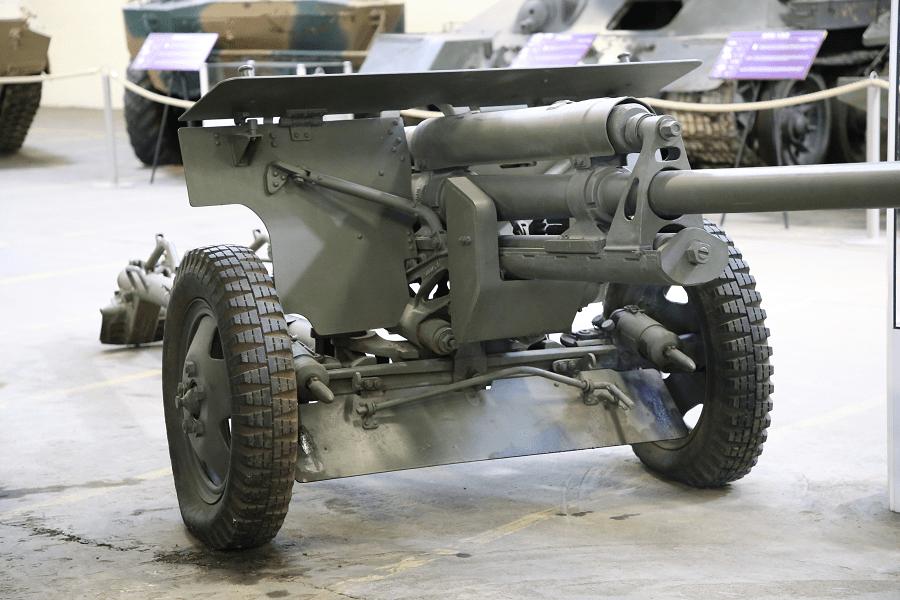 Советская противотанковая 57-мм пушка ЗИС-2