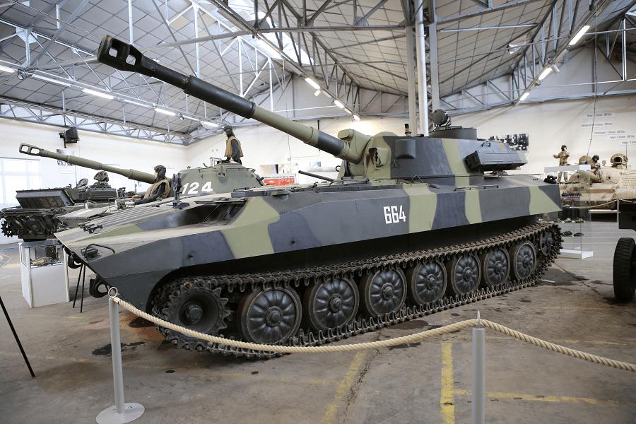 2С1 Гвоздика - советская самоходная гаубица на базе многоцелевого шасси МТ-ЛБ