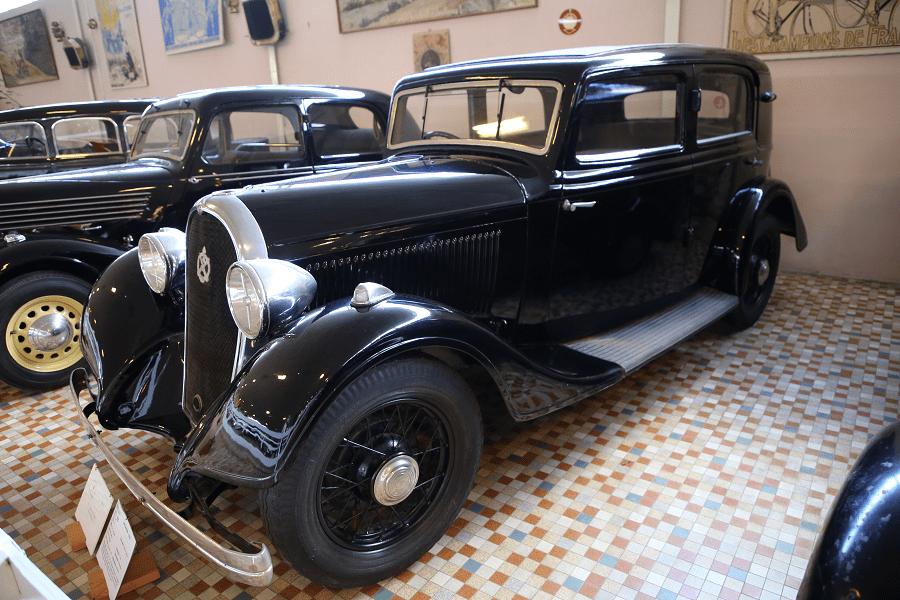Черный Hotchkiss Type 411 образца 1934 года