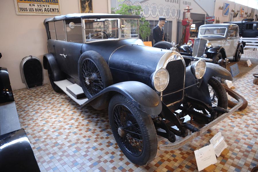 Черный Talbot DS образца 1925 года