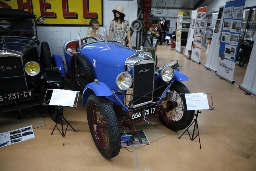 Синий Amilcar CC (cyclecar) образца 1922 года