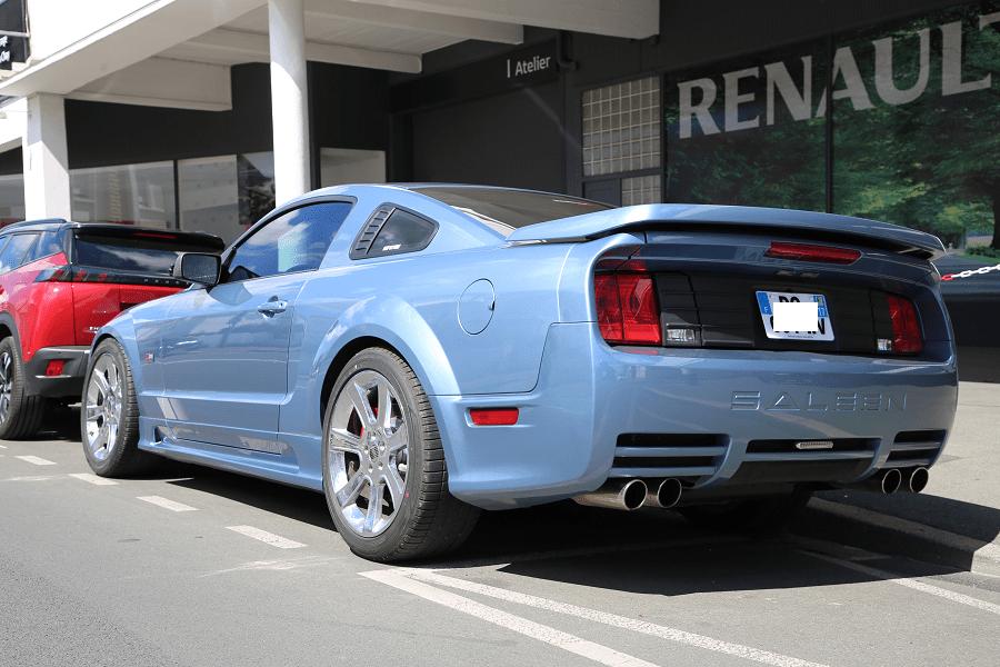 Голубой Mustang Saleen S281
