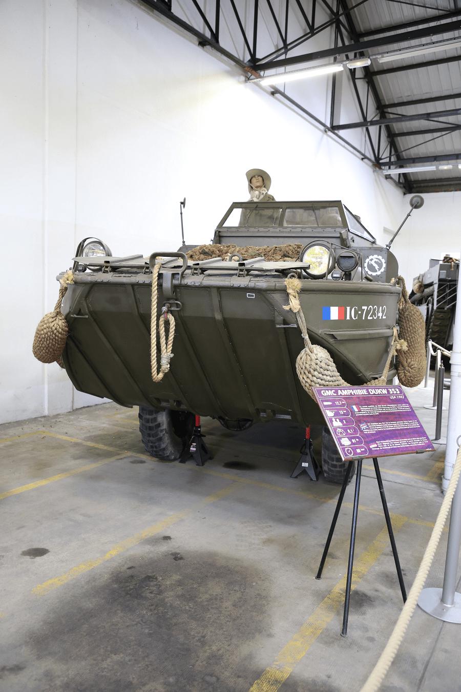 GMC DUKW 353 - амфибия времен Второй мировой войны