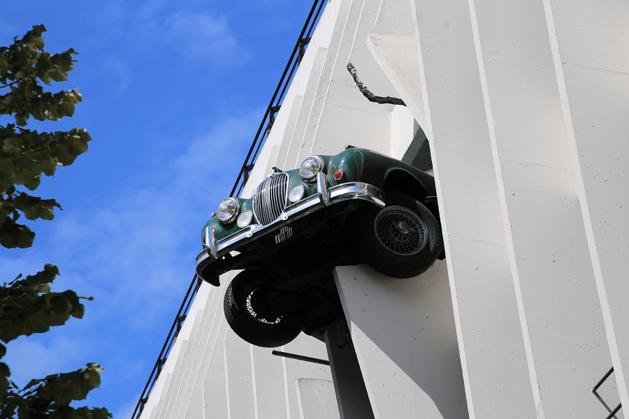 Парковка в стиле Ягуар
