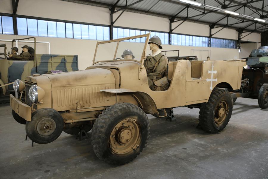 Laffly V15T - французский легкий артиллерийский тягач 4х4 Второй Мировой Войны