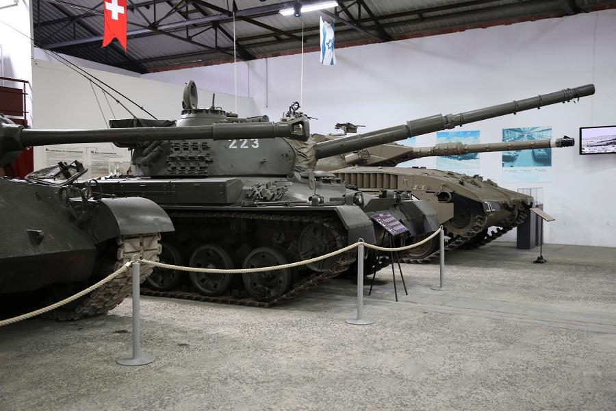 Музей бронетехники в Сомюре - один из крупнейших в мире танковых музеев