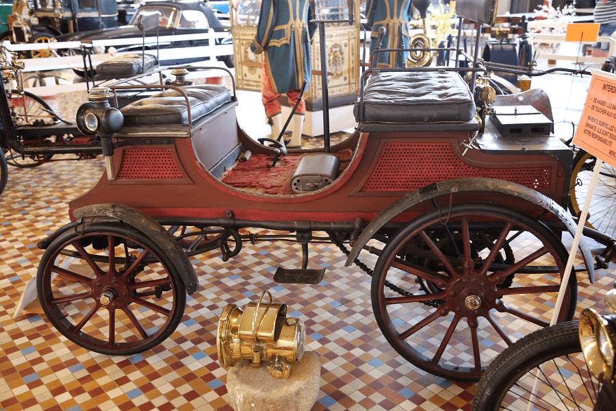 Peugeot Type 26 образца 1898 года с двумя цилиндрами