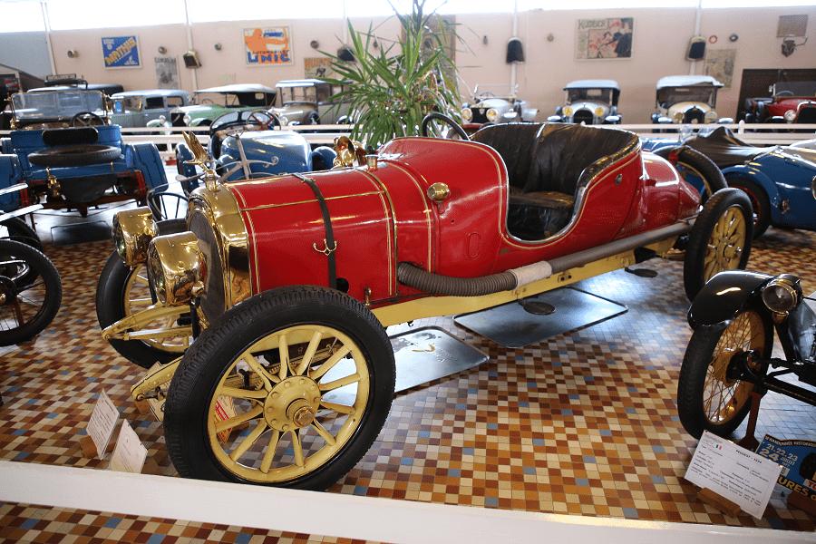 Красный Chenard et Walcker Type U образца 1912 года