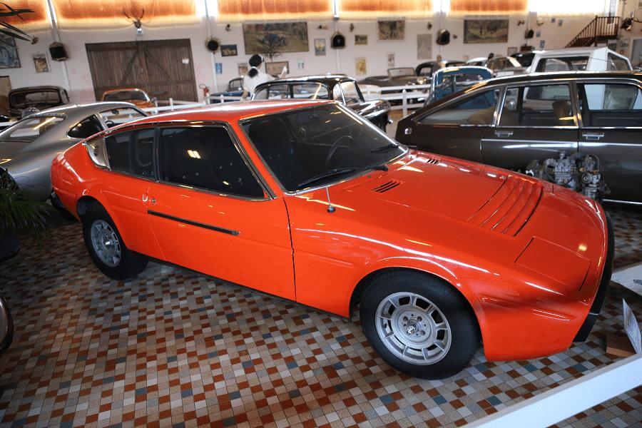 Красная Matra Bagheera Coupe образца 1973 года