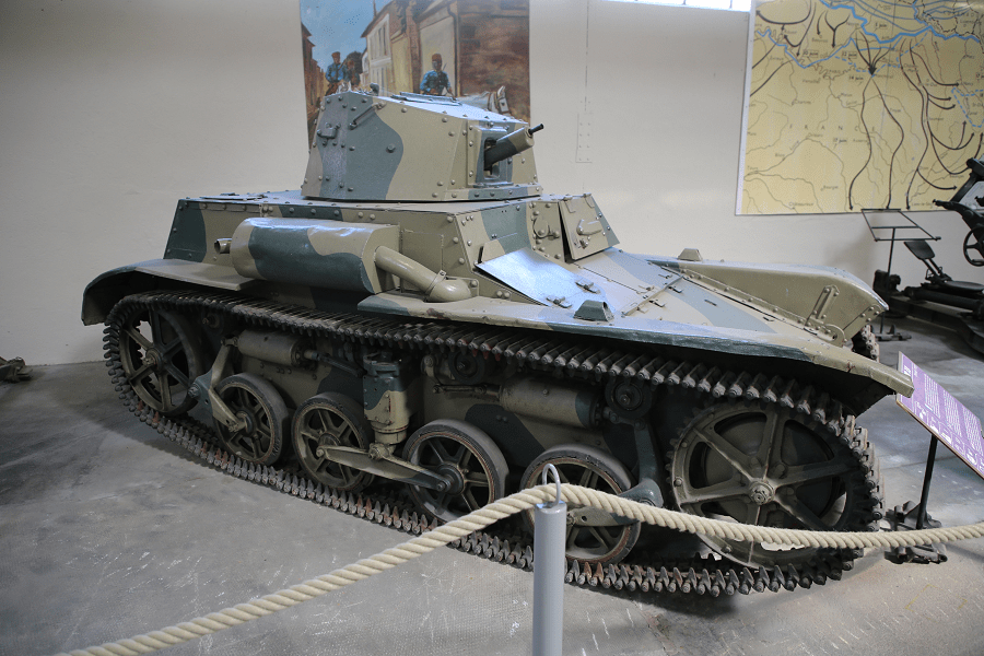 Renault AMR 33 - французский лёгкий кавалерийский танк